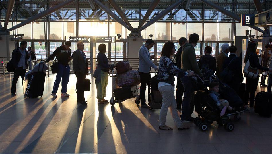 """Warten auf den Abflug: Fahrgastverband kritisiert """"problematische Verspätungsregeln"""""""