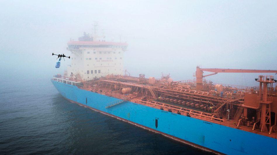 Drohne im Einsatz für ein Maersk-Schiff