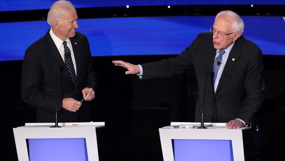 Joe Biden (l.) und Bernie Sanders (r.): Wer macht bei den Demokraten das Rennen?
