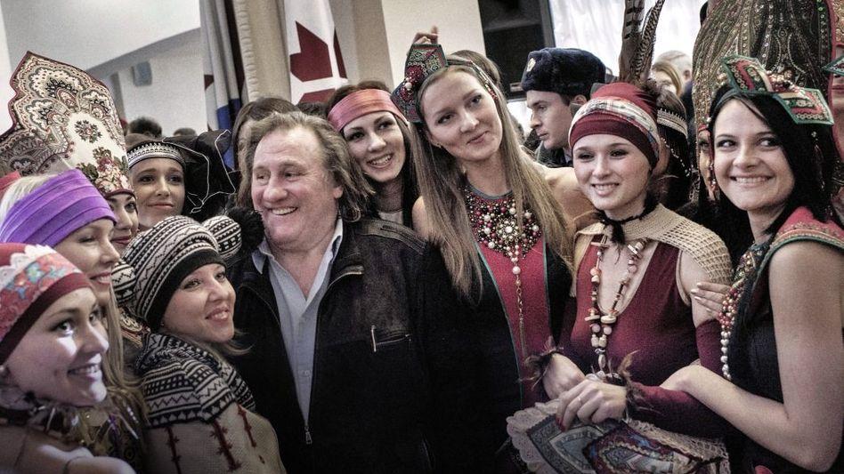Neu-Russe Depardieu, mordwinische Studentinnen in Saransk