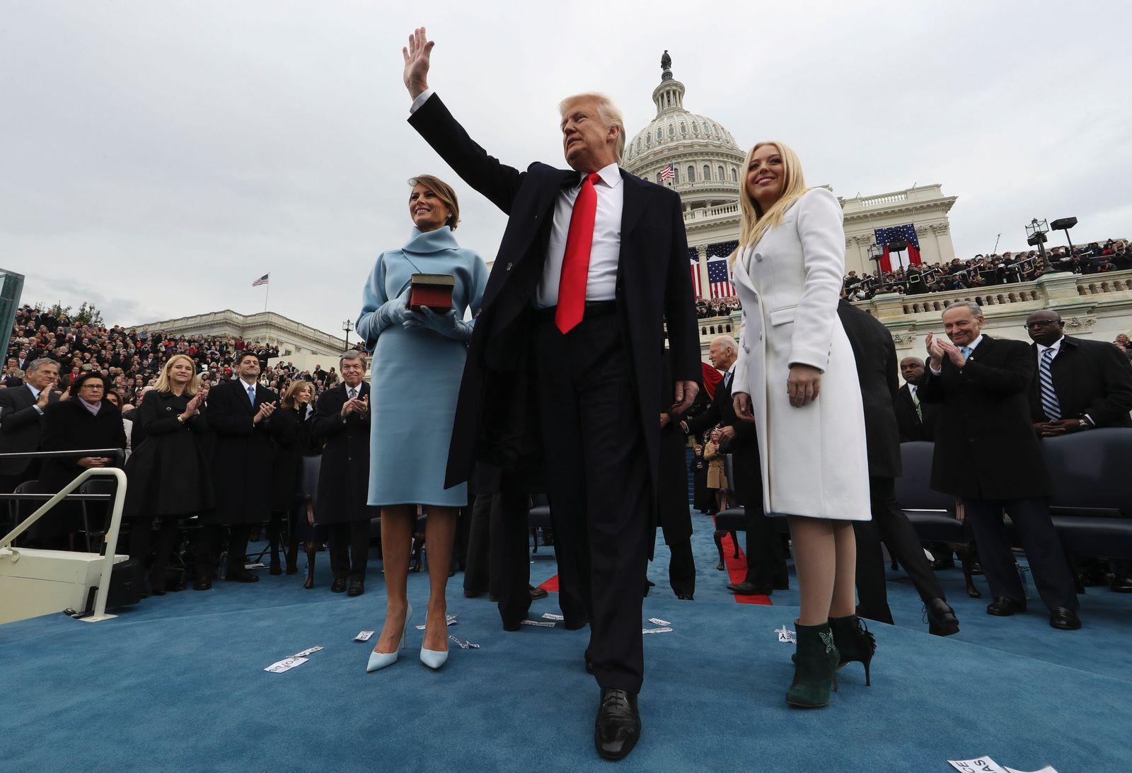 Trump/ Amtseinführung/ Siegerpose