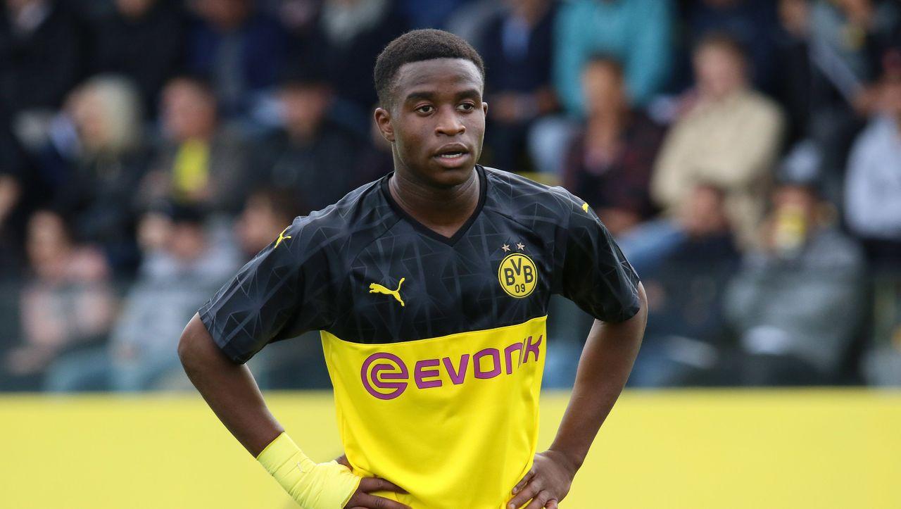 BVB-Talent Moukoko darf in der Bundesliga spielen - DER SPIEGEL - Sport