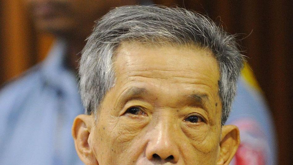 Angeklagter Duch: Vor Gericht wegen Verbrechen gegen die Menschlichkeit