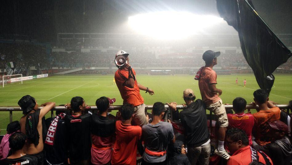 Fußballfans aus Indonesien