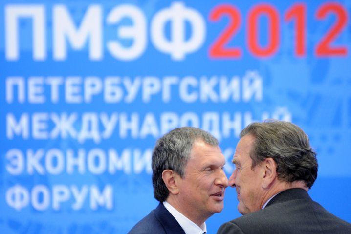 Rosneft-Chef Igor Sechin mit Gerhard Schröder