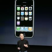 Apple-Chef Steve Jobs, iPhone: Weg damit?