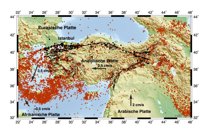 Anatolische Platte, Nordanatolische Verwerfungszone und Erdbebenverteilung