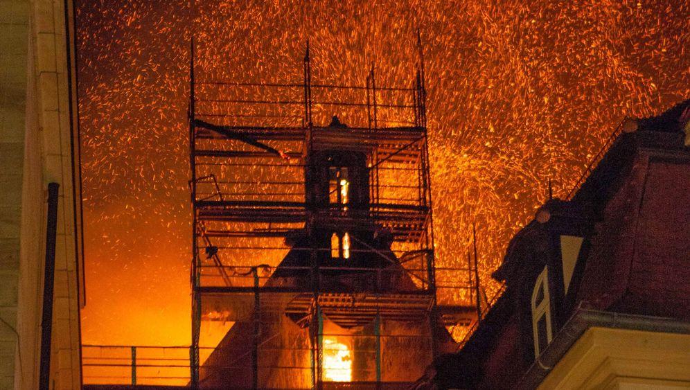 Feuer in Nürnberg: St.-Martha-Kirche niedergebrannt