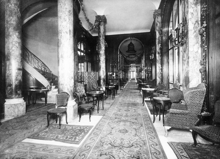Innenansicht des Hotel Ritz, um 1920