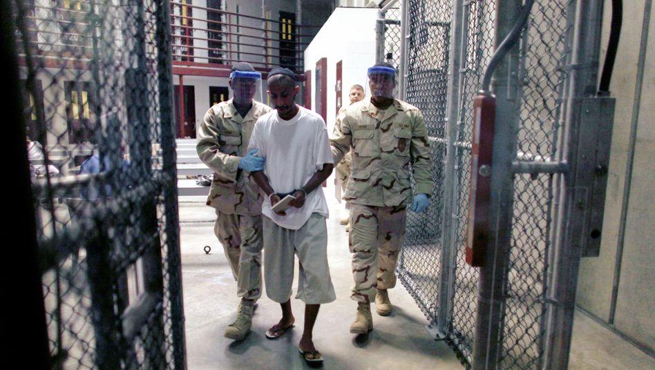 Gefangener in Guantanamo im März 2010: Obama erlaubt neue Prozesse in dem Lager