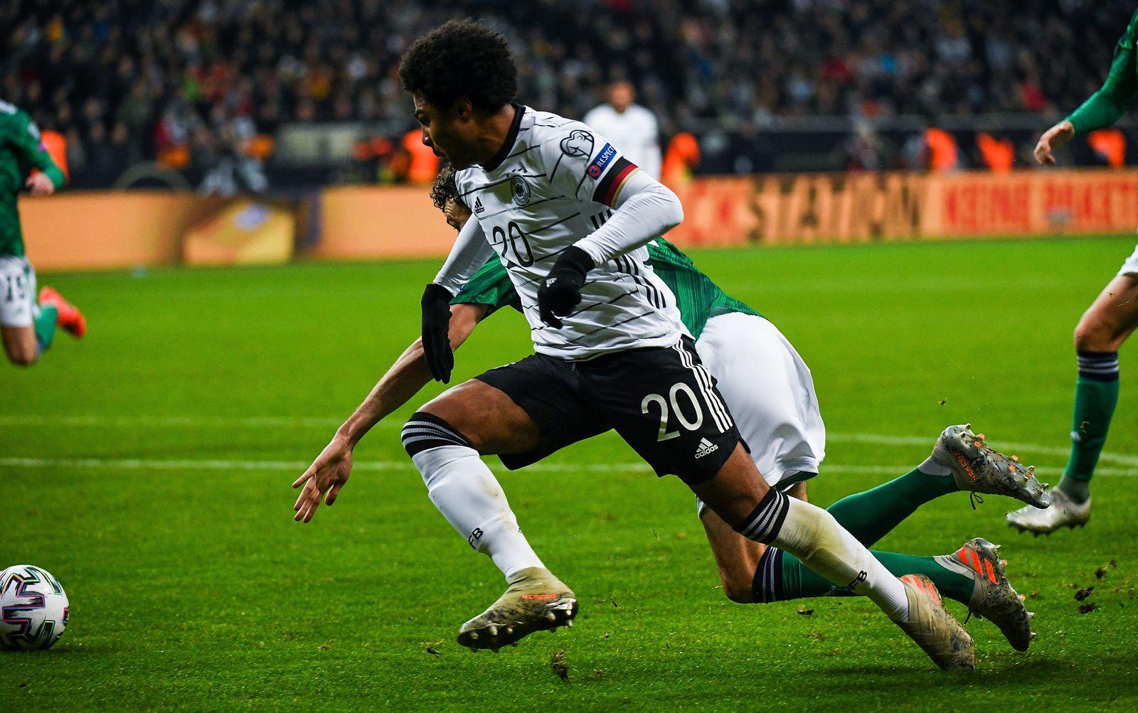 19.11.2019, xpsx, Fussball EM Qualifikation 2020, Deutschland - Nordirland v.l. Serge Gnabry (Deutsche Fussball Nationa