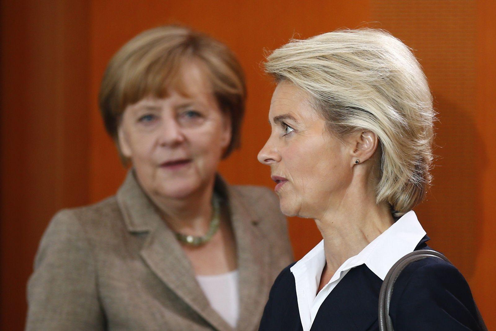 Merkel/ von der Leyen