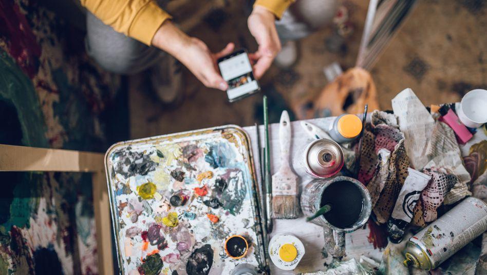 Mit Künstlerromantik hat das finanzielle Auskommen vieler Maler wenig zu tun