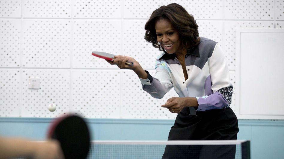 Michelle Obama beim Tischtennis in Peking: Ping? Pong!