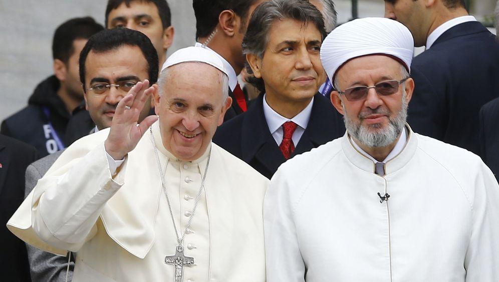 Papst-Besuch in Istanbul: Gestenreiche Visite