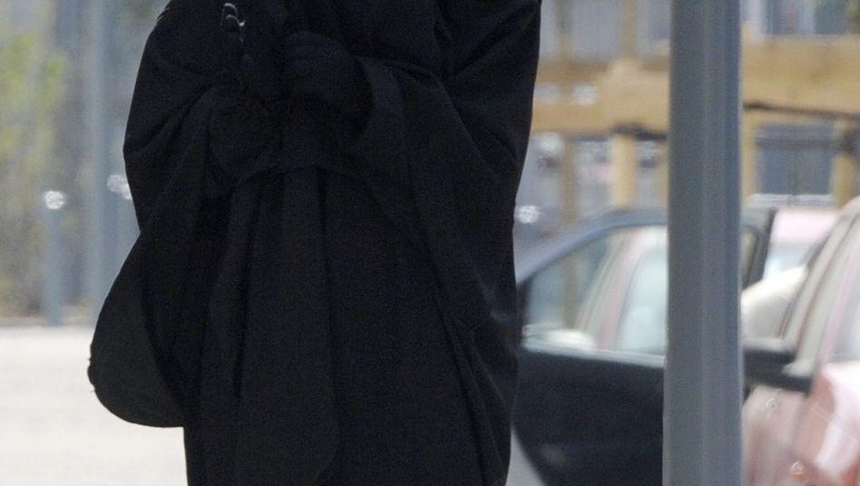 Verschleierte Frau in Frankreich: Kraftprobe um die Burka