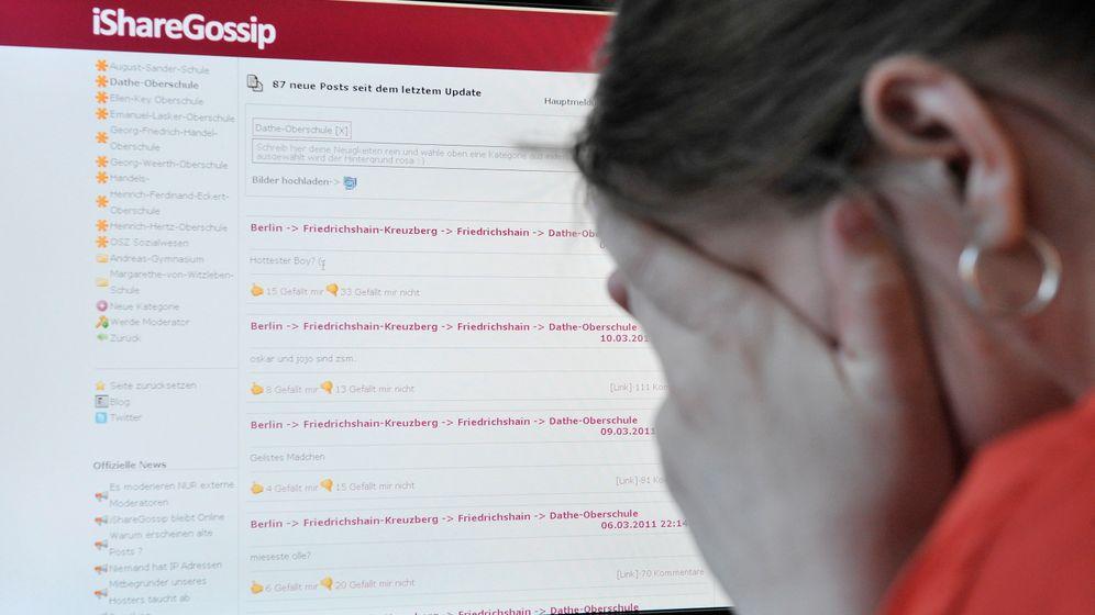 Photo Gallery: Fighting Online Defamation