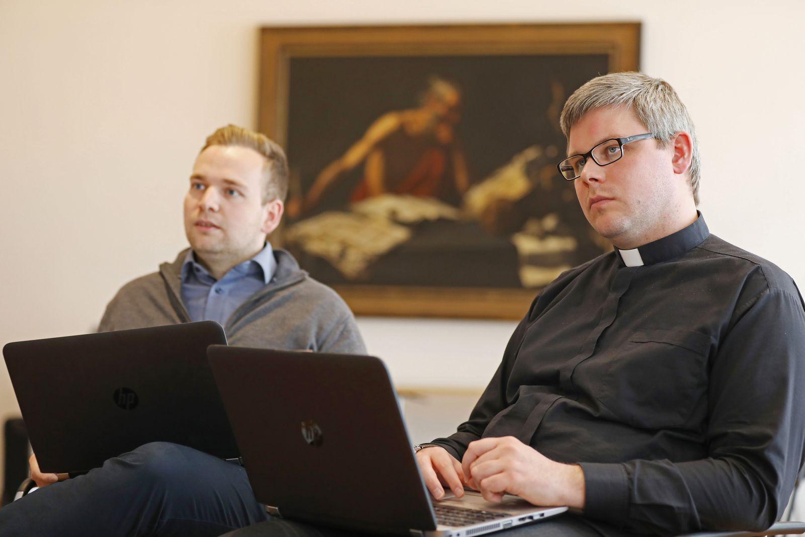 Katholische Priester sollen Social-Media-Influencer werden