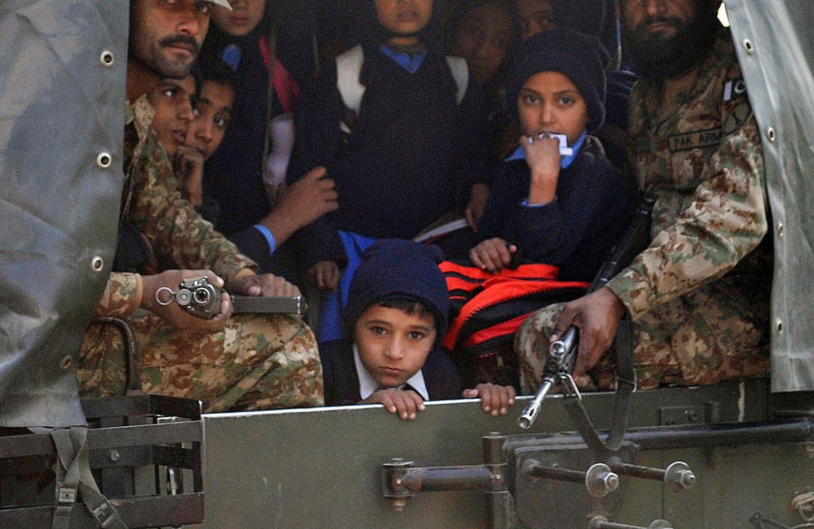 Pakistan/ Taliban/ Schule