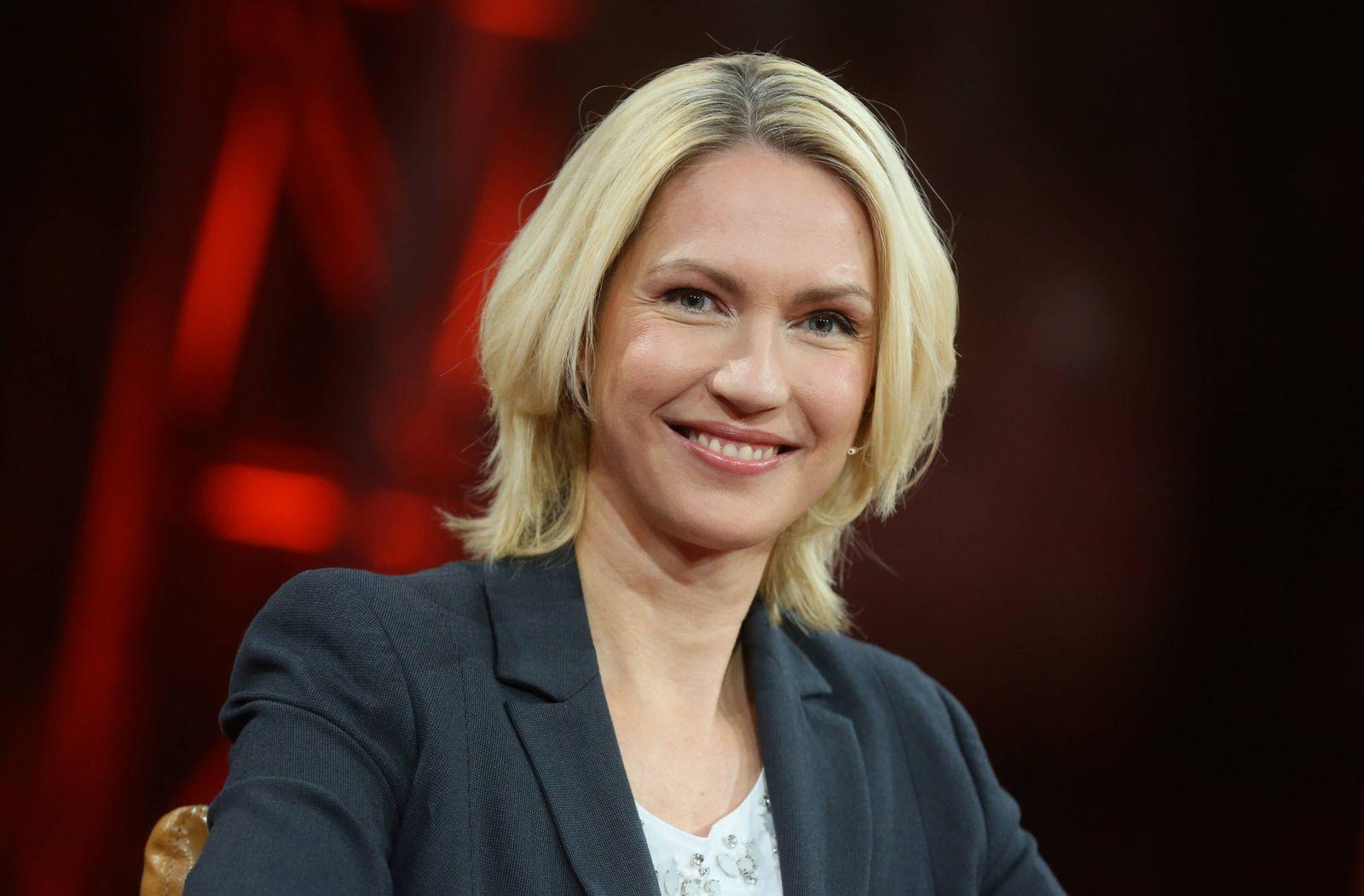 EINMALIGE VERWENDUNG Jauch/ Schwesig/ Equal Pay Debatte