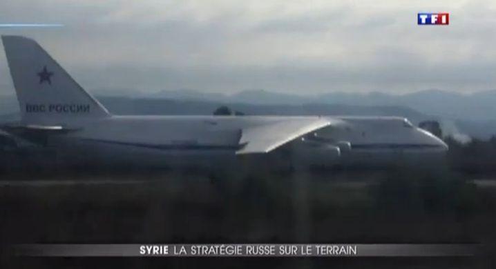 Video des Fernsehsenders TF1: Ein russisches Frachtflugzeug in Latakia