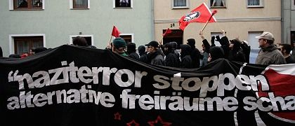 """Anti-neo-Nazi protestors on Tuesday responded to the attacks in Mügeln: """"Stop the Nazi Terror!"""""""