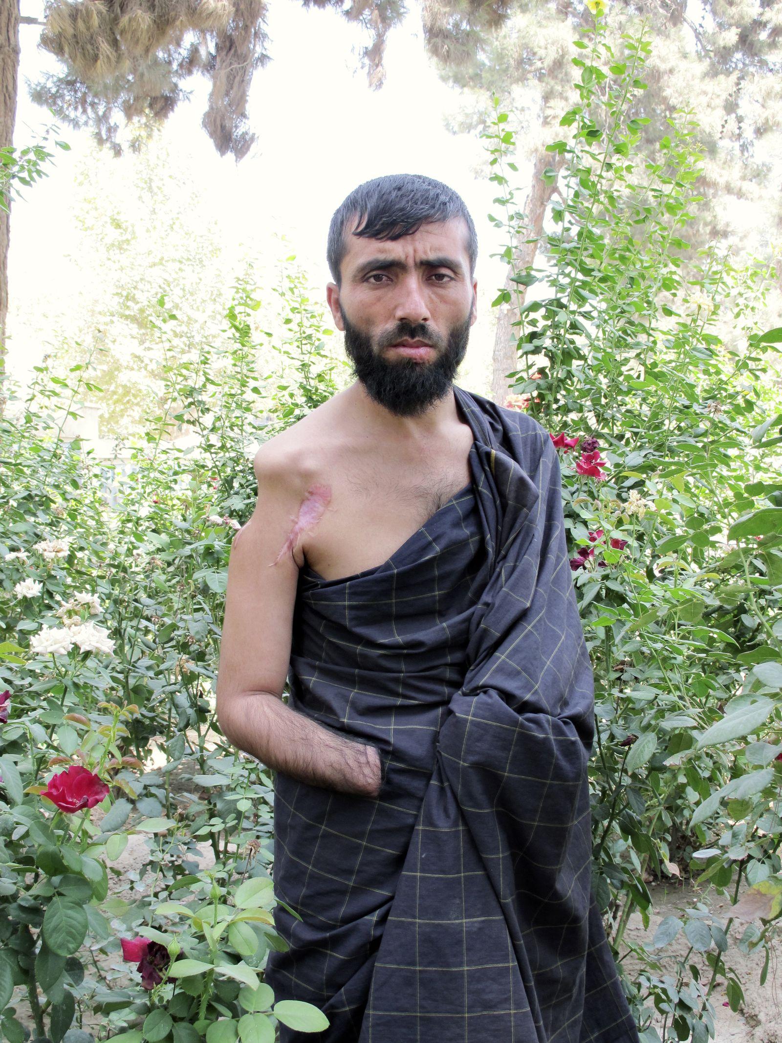 DER SPIEGEL 35/2010, Seite 24 Kunduz-Opfer Nur Jan Afghanistan