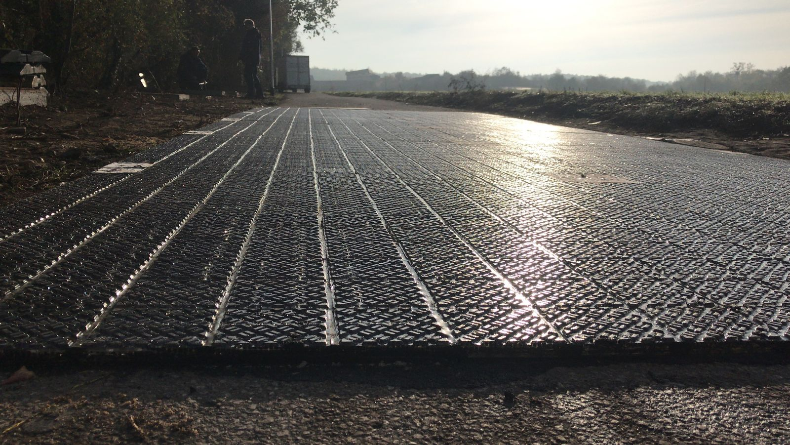 EINMALIGE VERWENDUNG erste Solarstraße Deutschlands in der Nähe von Köln