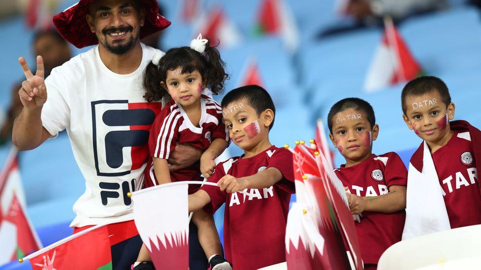 Katarische Fans bei einem Spiel der Nationalmannschaft im Oktober