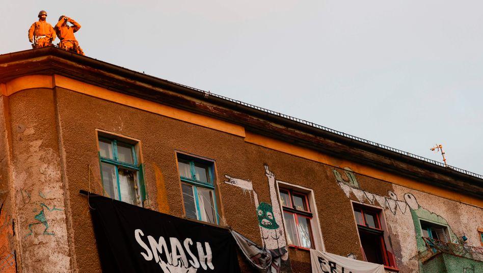 Großeinsatz am Haus Liebigstraße 34