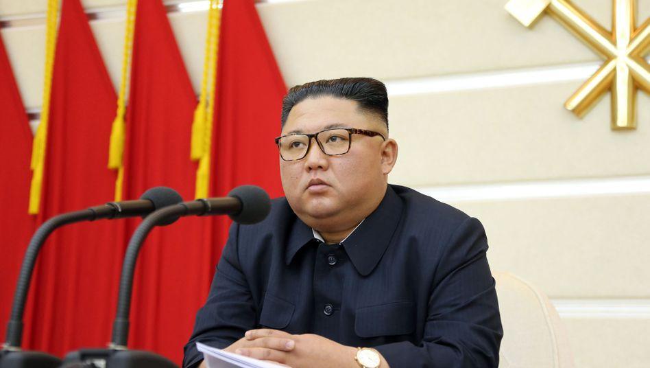"""Kim Jong Un beim Treffen der Regierungspartei: """"Schwerwiegende Folgen"""""""