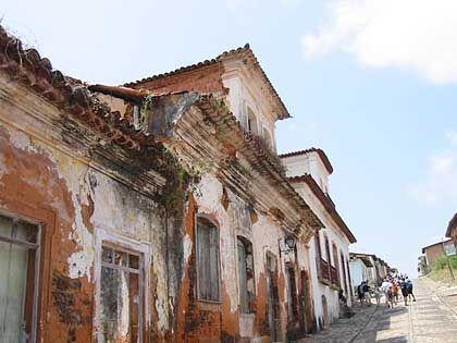 Endemische Armut: Verfallene Häuser in Sao Luis