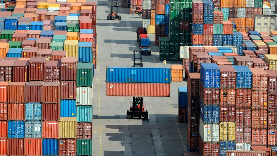 Container-Terminal: Bedrohte deutsche Exportindustrie