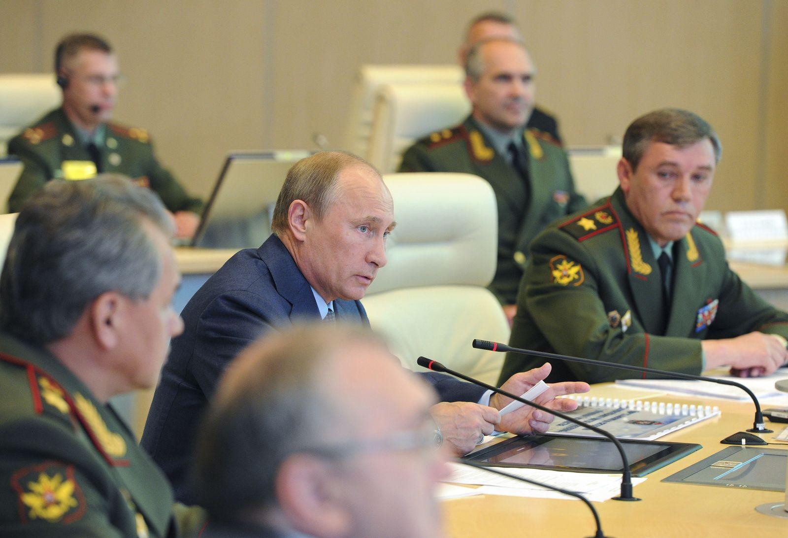 Putin / Valery Gerasimov
