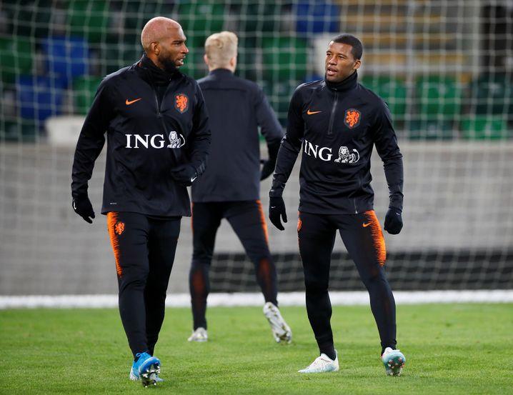 Georginio Wijnaldum (r.) und Ryan Babel im Training der Niederlande