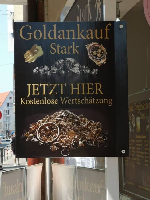 Schild an einem Goldankauf in Nürnberg