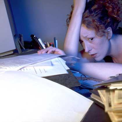 Überarbeitung: Stress bedeutet für viele Arbeitnehmer nicht bloß viel Arbeit - sondern mehr Anforderungen, als noch erfüllbar sind