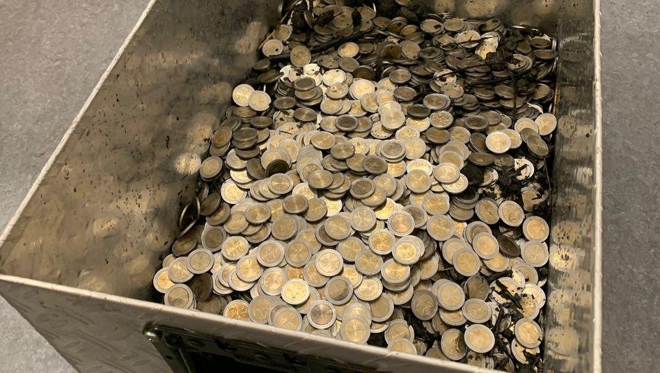 Kiloweise Falschgeld sicherte die Polizei nach einem Fund im baden-württembergischen Bretzfeld