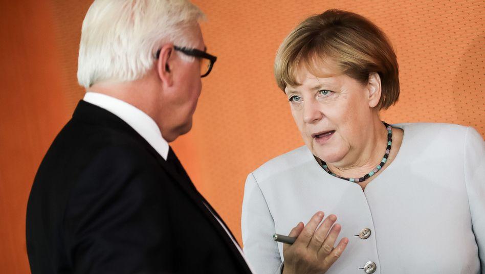 Außenminister Steinmeier, Kanzlerin Merkel