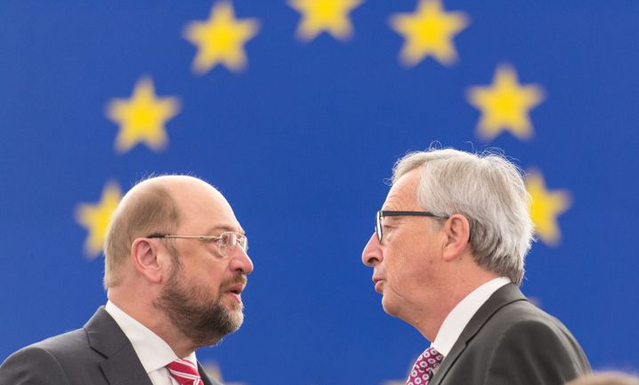 European Parliament President Martin Schulz and European Commission President Jean-Claude Juncker