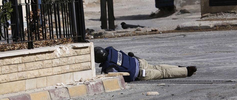 """Reporter bei der Arbeit im syrischen Maalula: """"Straftaten müssen geahndet werden"""""""
