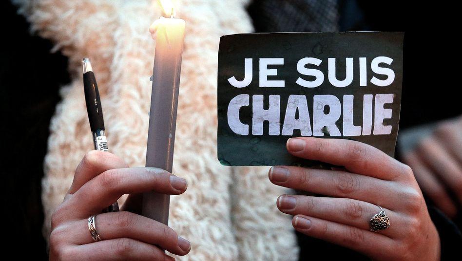 """Trauer um Attentatsopfer: """"Charlie Hebdo""""-Sonderausgabe zum Jahrestag"""