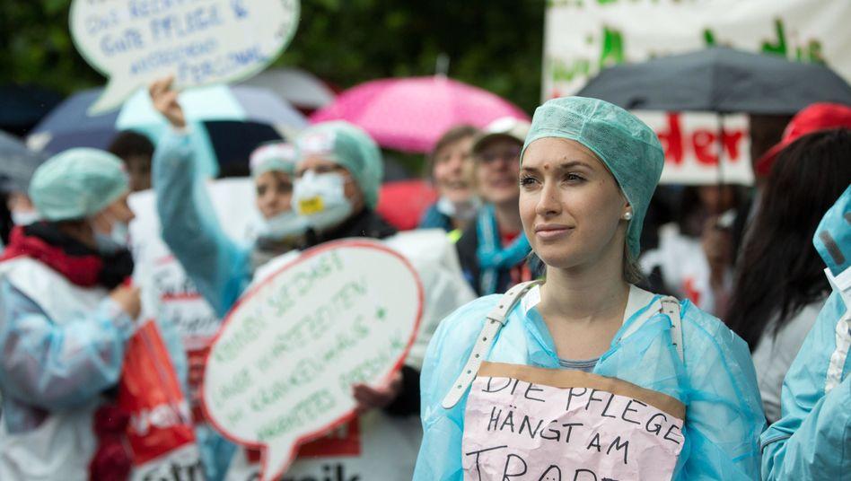 Pflegekräfte protestieren an der Berliner Charité