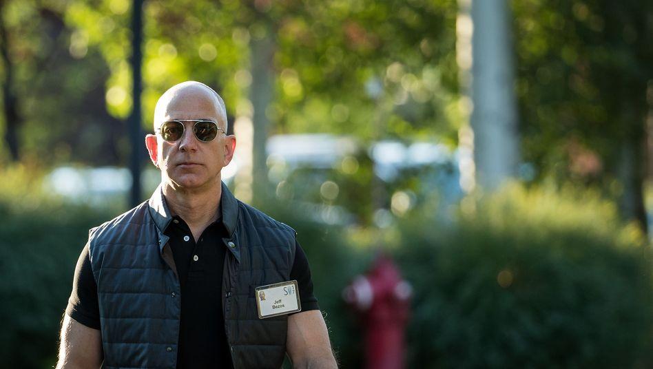 Konzernchef Bezos:Amazon ist in der Krise so unverzichtbar wie angreifbar geworden