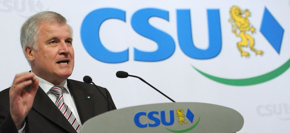 Bavarian Premier Horst Seehofer, head of the conservative CSU party, has caused outrage with his comments about Turkish and Arab immigrants.