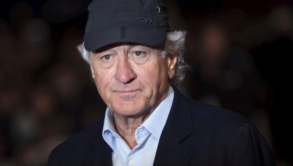Robert De Niros Firma Canal Productions verklagt offenbar eine Mitarbeiterin: Sie soll unter anderem mehrere Serienmarathons während der Arbeitszeit eingelegt haben