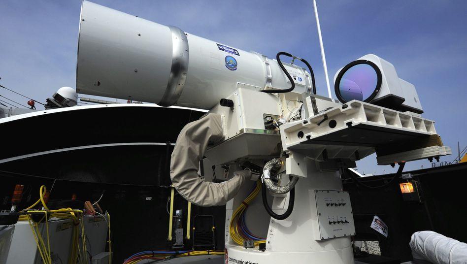 """Laserwaffe der US-Navy: """"Leistungsstarke Laserquellen sind schon lange kein Science-Fiction mehr"""""""