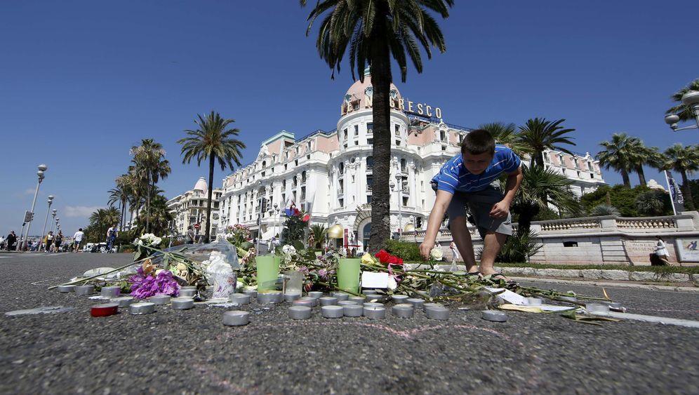 Attentat in Nizza: Schweigeminute und Touristenschwund