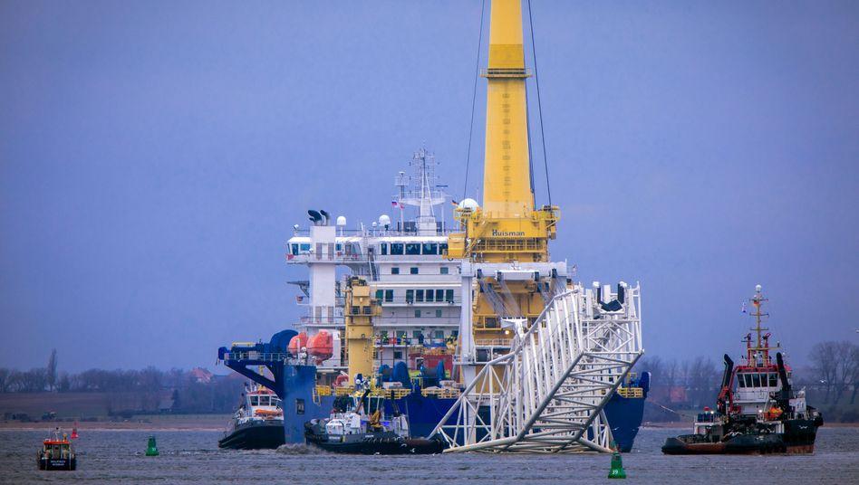 Russisches Verlegeschiff »Akademik Tscherski« vor Wismar: 55 Milliarden Kubikmeter Erdgas sollen durch Nord Stream 2 pro Jahr von Russland nach Deutschland fließen