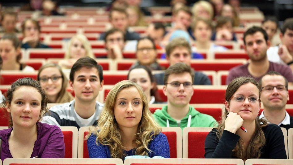 Studenten in Leipzig (Archiv): Mehr ausländische Studenten an deutschen Hochschulen